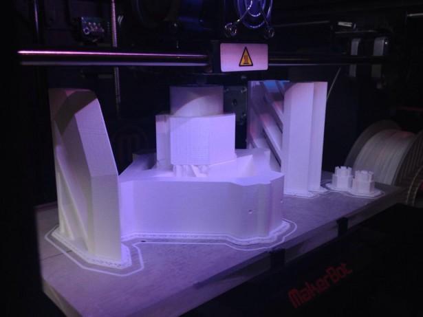 Bolt Caster Printing Maker Bot Replicator 2