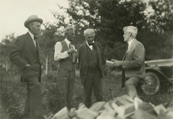 Henry Ford, Thomas Edison, Harvey Firestone, e John Burroughs