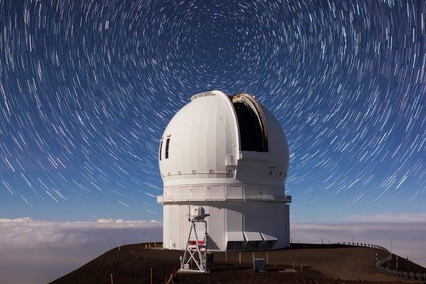 Kosmische Zusammenarbeit auf dem Mauna Kea