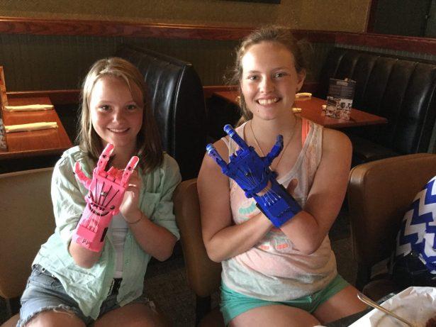 2_girls_new_hands