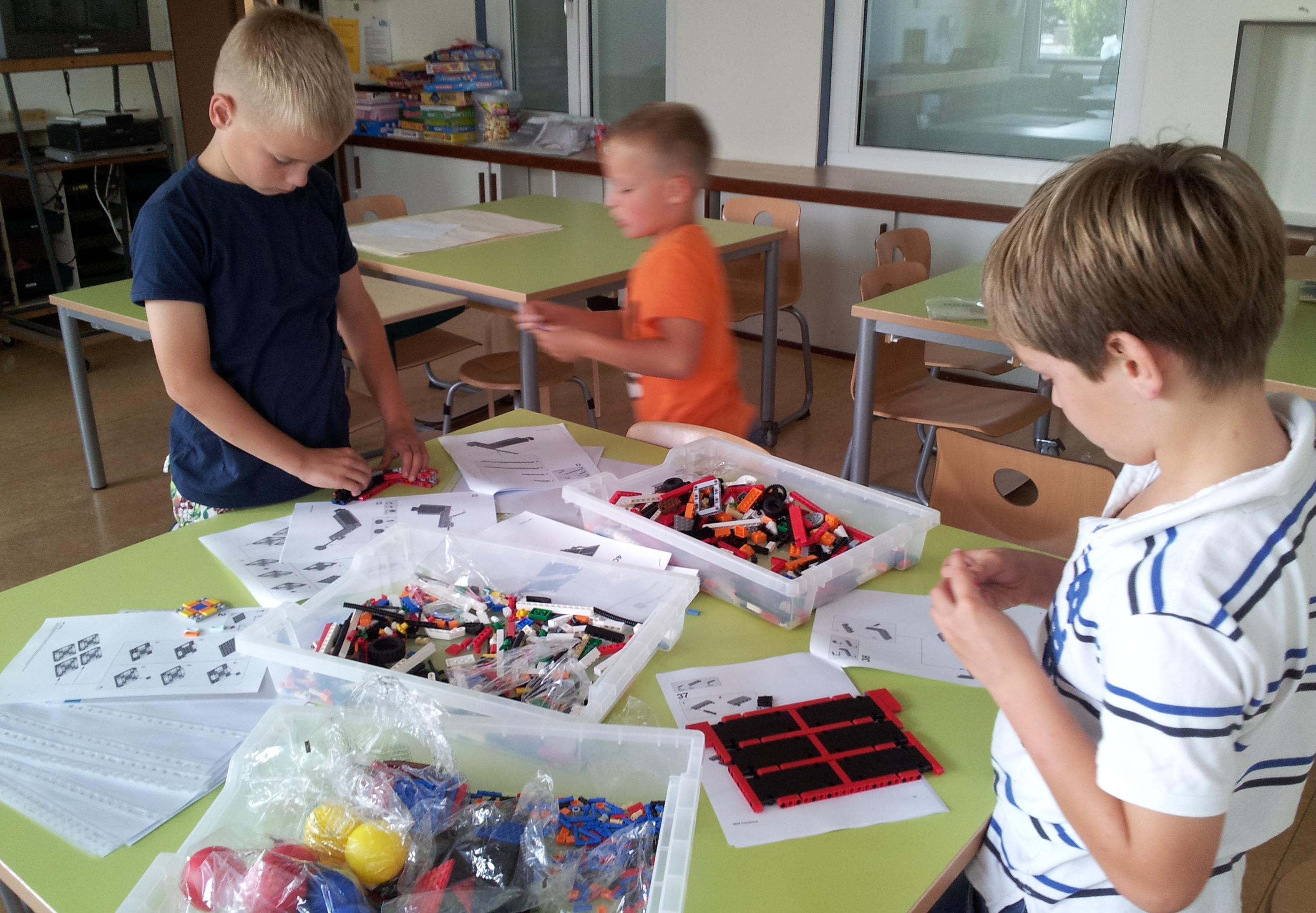 Children from the Netherlands use SolidWorks to Prepare for FLL Robot Competition