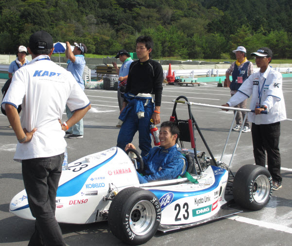 Student Formula SAE Japan Accelerates with SolidWorks