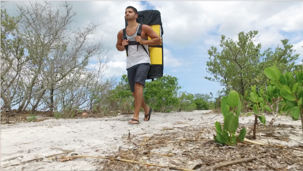 Pakayak carry on back